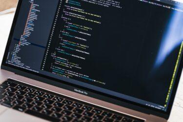 PCの基本操作から学べるプログラミング学習で手に職をつけて選択の自由を手に入れる